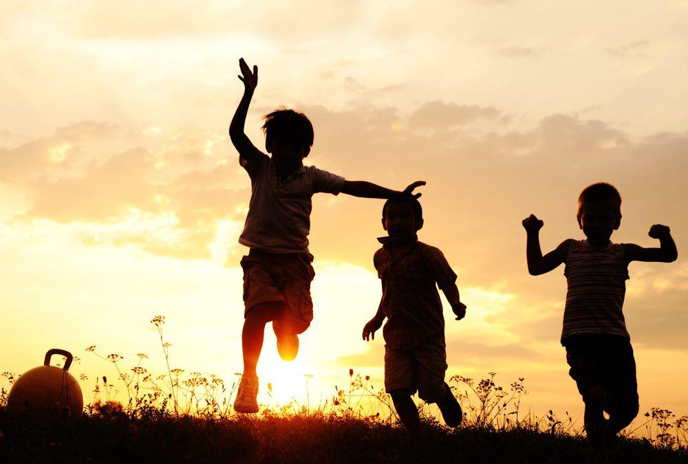 Bahagia dan Celakanya Anak-Anak di Tangan Orangtuanya