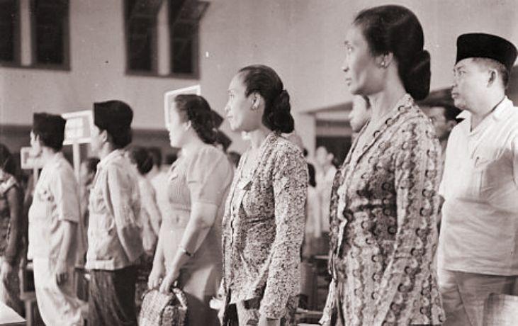 Perempuan dan Tugasnya dalam Pembangunan Negeri